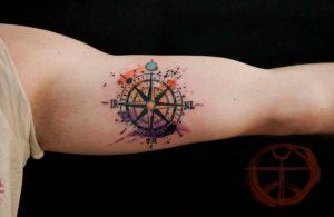 Значение и история татуировки компас - фото