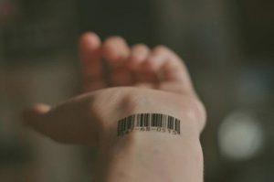 Что значит штрих-код в тату - фото