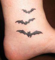 фото тату Летучая мышь от 19.11.2017 №007 — tattoo Bat — tattoo-photo.ru