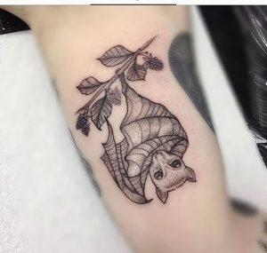 фото тату Летучая мышь от 19.11.2017 №018 - tattoo Bat - tattoo-photo.ru