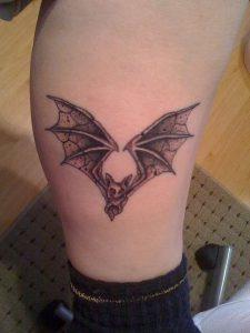 фото тату Летучая мышь от 19.11.2017 №024 - tattoo Bat - tattoo-photo.ru