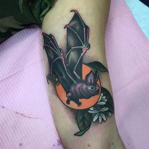 фото тату Летучая мышь от 19.11.2017 №050 - tattoo Bat - tattoo-photo.ru