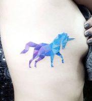 фото тату единорог от 14.11.2017 №011 — unicorn tattoo — tattoo-photo.ru