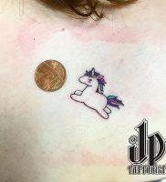 фото тату единорог от 14.11.2017 №017 — unicorn tattoo — tattoo-photo.ru