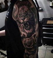 фото тату лев от 18.11.2017 №016 — tattoo lion — tattoo-photo.ru
