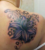 фото тату лилия от 19.11.2017 №005 — tattoo lily — tattoo-photo.ru