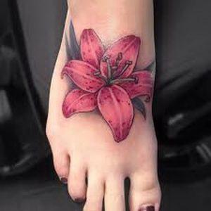 фото тату лилия от 19.11.2017 №059 - tattoo lily - tattoo-photo.ru