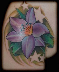 фото тату лилия от 19.11.2017 №064 - tattoo lily - tattoo-photo.ru