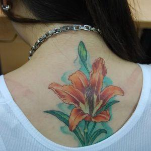 фото тату лилия от 19.11.2017 №118 - tattoo lily - tattoo-photo.ru