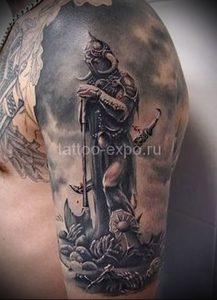 Гладиатор в татуировке для статьи про значение рисунка - 21