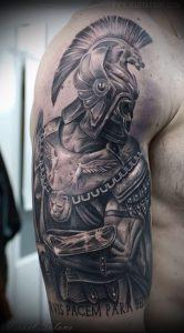 Гладиатор в татуировке для статьи про значение рисунка - 23