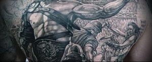 Гладиатор в татуировке для статьи про значение рисунка - 31
