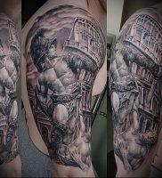 Гладиатор в татуировке для статьи про значение рисунка — 34