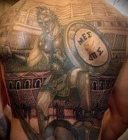 Гладиатор в татуировке для статьи про значение рисунка — 40