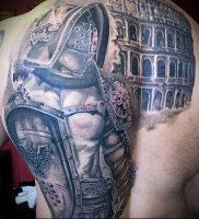 Гладиатор в татуировке для статьи про значение рисунка — 41