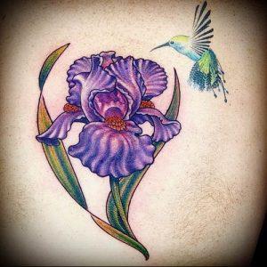 интересный вариант тату ирис на фото для статьи про значение - tatufoto.ru - 5