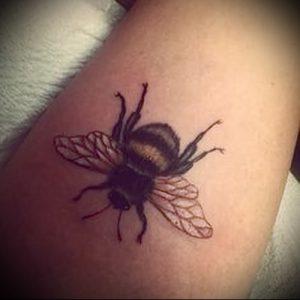 фото тату пчела для статьи про значение татуировки пчела - 6