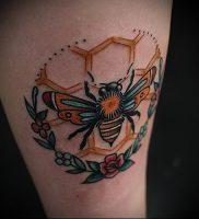 фото тату пчела для статьи про значение татуировки пчела — 10