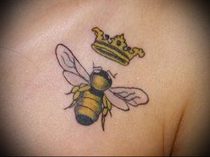 фото тату пчела для статьи про значение татуировки пчела - 12