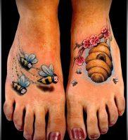 фото тату пчела для статьи про значение татуировки пчела — 16