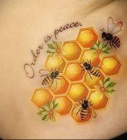 фото тату пчела для статьи про значение татуировки пчела — 17