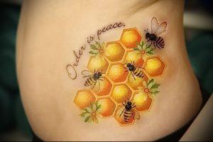 фото тату пчела для статьи про значение татуировки пчела - 17