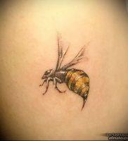 фото тату пчела для статьи про значение татуировки пчела — 18