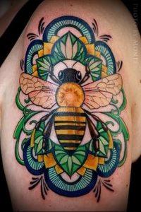 фото тату пчела для статьи про значение татуировки пчела - 20