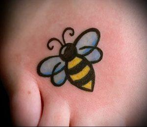 фото тату пчела для статьи про значение татуировки пчела - 25