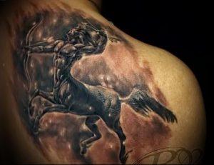 фото тату стрелец для статьи про значение символа в татуировке - 13