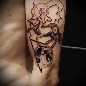 фото тату стрелец для статьи про значение символа в татуировке - 22
