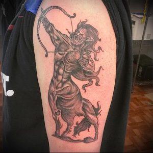 фото тату стрелец для статьи про значение символа в татуировке - 29