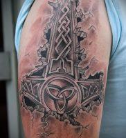фото татуировки молот — значение — пример интересного рисунка тату — 014 tatufoto.com