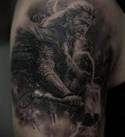 фото татуировки молот — значение — пример интересного рисунка тату — 024 tatufoto.com