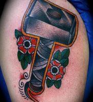 фото татуировки молот — значение — пример интересного рисунка тату — 026 tatufoto.com