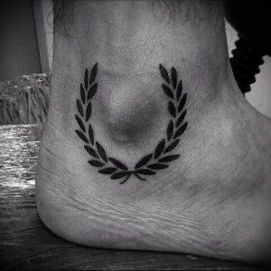 фото тату венок (tattoo wreath) (значение) - пример рисунка - 013 tatufoto.com