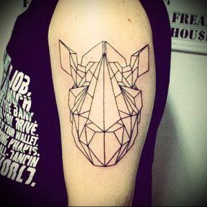 фото тату носорог (rhino tattoo) (значение) - пример рисунка - 041 tatufoto.com