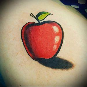 фото тату С ЯБЛОКОМ (Tattoo apple photo) (значение) - пример рисунка - 003 tatufoto.com
