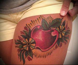 фото тату С ЯБЛОКОМ (Tattoo apple photo) (значение) - пример рисунка - 004 tatufoto.com