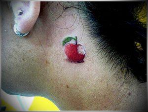 фото тату С ЯБЛОКОМ (Tattoo apple photo) (значение) - пример рисунка - 018 tatufoto.com