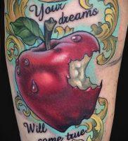 фото тату С ЯБЛОКОМ (Tattoo apple photo) (значение) — пример рисунка — 044 tatufoto.com