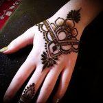 Фото Мехенди на ладони - 17062017 - пример - 003 Mehendi in the palm of your hand