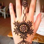 Фото Мехенди на ладони - 17062017 - пример - 039 Mehendi in the palm of your hand