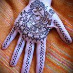 Фото Мехенди на ладони - 17062017 - пример - 055 Mehendi in the palm of your hand