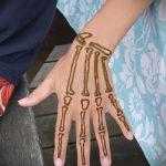 Фото Мехенди на ладони - 17062017 - пример - 058 Mehendi in the palm of your hand