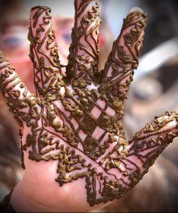 Фото Мехенди на ладони - 17062017 - пример - 059 Mehendi in the palm of your hand