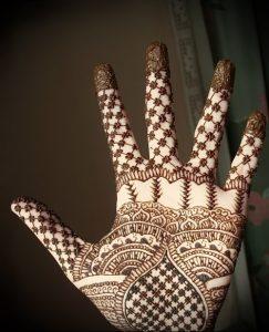 Фото Мехенди на ладони - 17062017 - пример - 072 Mehendi in the palm of your hand