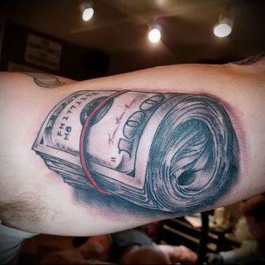 Фото тату деньги пример рисунка на теле - 16062017 - пример - 060 Tattoo money