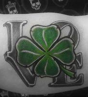 фото тату трилистник — клевер от 21.08.2017 №123 — Cloverleaf tattoo — tattoo-photo.ru