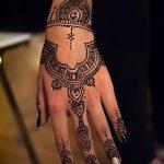 фото Рисунки мехенди на руке от 02.10.2017 №026 - mehendi on hand - tattoo-photo.ru